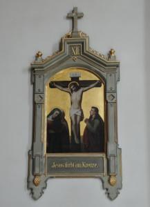 Zwei der insgesamt vierzehn Kreuzwegbilder