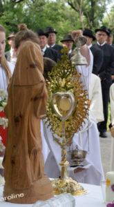 Fronleichnam - Festgottesdienst im Pfarrgarten