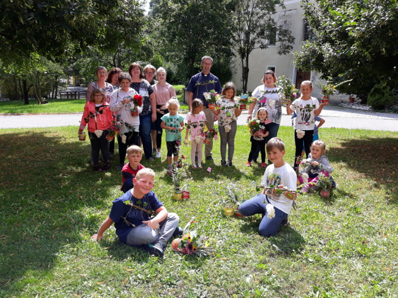 Kräuterbüscherlbinden mit Kindern